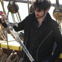 """Em """"Once Upon a Time"""": na 5ª temporada, Hook procura por vingança contra Rumplestilskin!"""