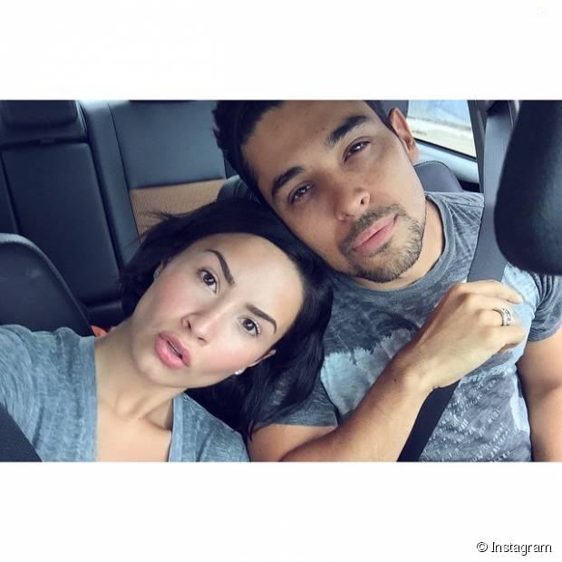 Demi Lovato e Wilmer Valderrama mostram como você reage nos primeiros meses de namoro