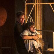 """Novela """"Totalmente Demais"""": Arthur salva Eliza e Jonatas de incêndio e faz chantagem com o mocinho!"""