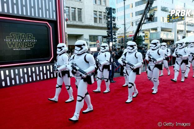 """Veja momentos inesquecíveis da première de """"Star Wars VII"""""""