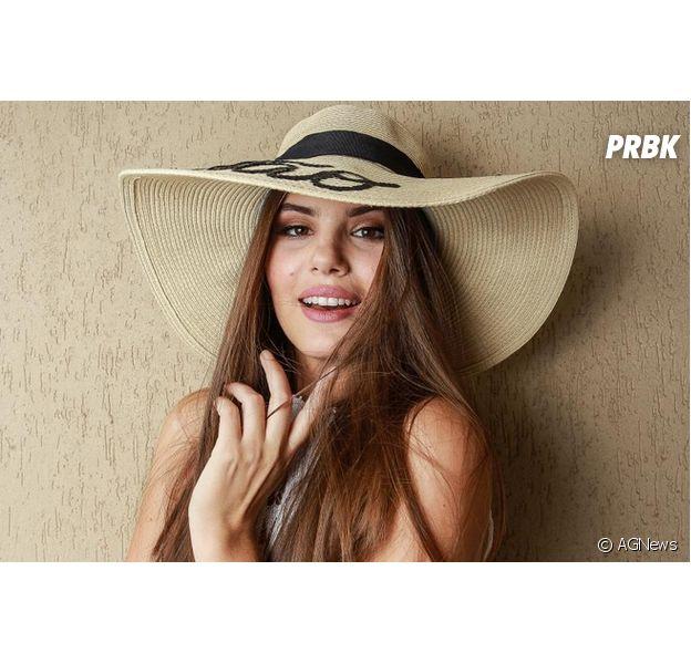 """Reservada para """"Êta Mundo Bom"""", Camila Queiroz diz que ainda a chamam de Angel, seu papel em """"Verdades Secretas"""""""