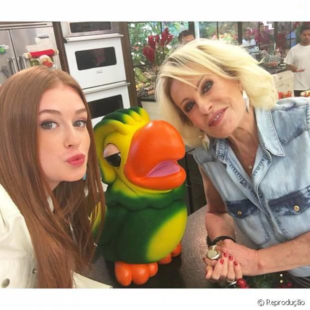 """Destaque em """"Totalmente Demais"""", Marina Ruy Barbosa posa com Ana Maria Braga e Louro José no """"Mais Você"""""""