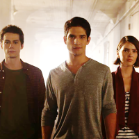 """Em """"Teen Wolf"""": na 5º temporada, Tyler Posey, o Scott, revela vilão surpresa: """"Parrish é o inimigo"""""""