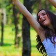Veja os melhores cliques do book de 15 anos de Larissa Manoela