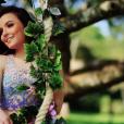Larissa Manoela, às vésperas de sua festa de debutante, arrasa em seu book de 15 anos