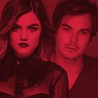 """De """"Pretty Little Liars"""": com Lucy Hale e Tyler Blackburn, convenção tem vendas reabertas!"""