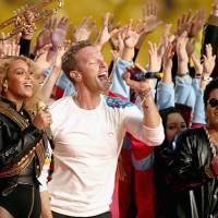 Super Bowl 2016: Coldplay, Beyoncé e Bruno Mars arrasam com performance incrível no mega evento!