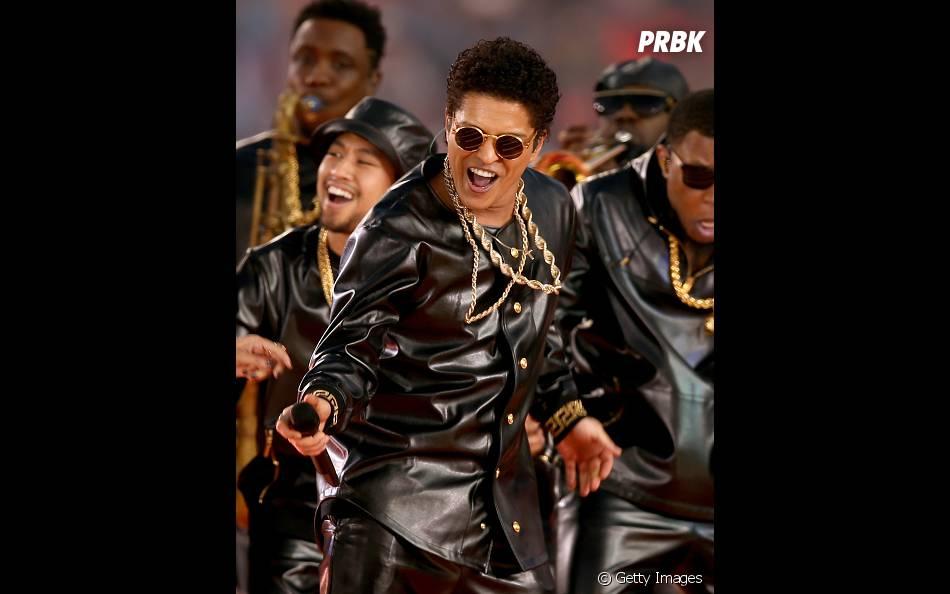 """Bruno Marz empolgou o público! Principalmente com o sucesso """"Uptown Funk"""""""