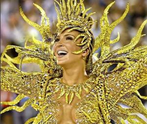 Claudia Leitte estreou como rainha da Mocidade Independente de Padre Miguel em 2015