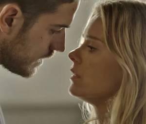 """Em """"A Regra do Jogo"""", Dante (Marco Pigossi) desconfia mais uma vez de Lara (Carolina Dieckmann), mas promete ficar de olho em Gibson"""