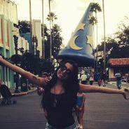 Anitta viaja pra Disney, leva a família toda e fecha a roda-gigante Orlando Eye só pra ela!