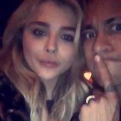 Neymar Jr. e Chloe Moretz aparecem colados em publicação e imagem repercute nas redes sociais!