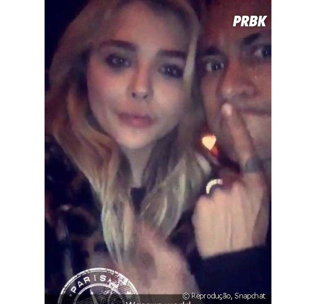 Neymar Jr. e Chloe Moretz aparecem coladinhos em publicação no Snapchat!