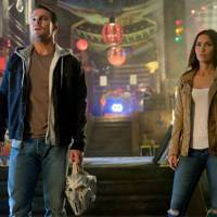 """Stephen Amell, de """"Arrow"""", e Megan Fox devem vir ao Brasil para a divulgação de """"Tartarugas Ninja 2"""""""