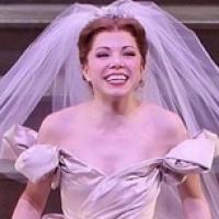 Carly Rae Jepsen faz sua estreia como Cinderela em peça da Broadway, nos EUA
