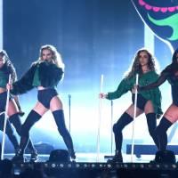 """Little Mix sexy demais? Cantoras defendem os figurinos ousados da turnê: """"Nós temos o balanço ideal"""""""