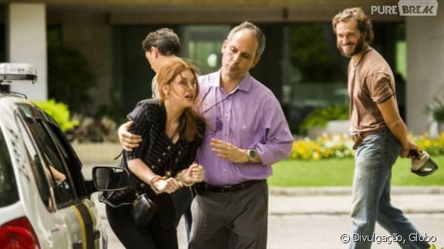 """Em """"Totalmente Demais"""": Eliza (Marina Ruy Barbosa) é presa por tentativa de homicídio e se desespera!"""