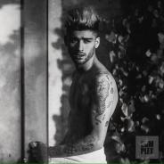 Zayn Malik, ex-One Direction, posa sexy para revista e diz que não podia mudar de visual na banda!