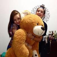 """Larissa Manoela e João Guilherme, de """"Cúmplices de Um Resgate"""", posam juntos para foto no Instagram"""