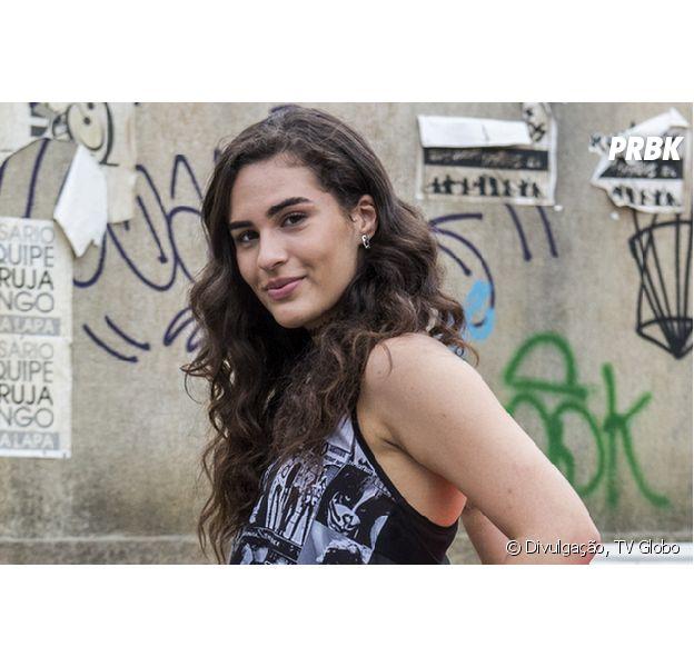 """Destaque em """"Malhação"""", Lívian Aragão se diz ansiosa para os 18 anos"""