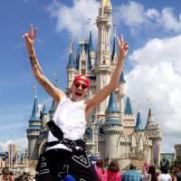MC Gui em Orlando? Astro teen se diverte na Disney e registra tudo para os fãs! Veja fotos