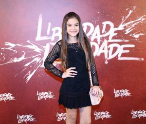 """Mel Maia também marcou presença no evento de """"Liberdade, Liberdade"""""""
