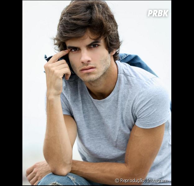 """Daniel Blanco, de """"Totalmente Demais"""", fala sobre semelhanças com Fabinho e mais!"""