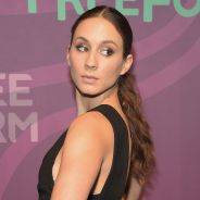 "Em ""Pretty Little Liars"": na 7ª temporada, Troian Bellisario irá dirigir o 15º episódio do novo ano!"