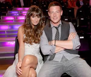"""Lea Michele tatua um """"5"""",número que opersonagem de Cory em """"Glee""""usava em sua camisa de futebol americano"""