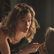 """Novela """"Totalmente Demais"""": Cassandra (Juliana Paiva) é ameaçada de morte por Sofia e fica chocada!"""