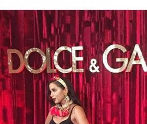 Anitta também esteve no mesmo evento de moda que contou com as presenças de Grazi Massafera e Sabrina Sato