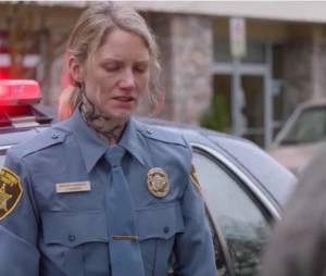 """Em """"Supernatural"""", Amara libera névoa negra e deixa moradores de pequena cidade malucos!"""