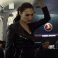 """Gal Gadot chama atenção em """"Batman Vs Superman: A Origem da Justiça"""""""