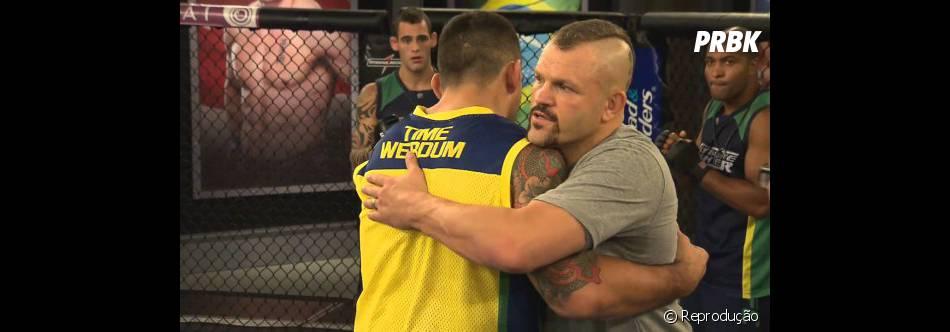 """Na segunda temporada do """"The Ultimate Fighter Brasil"""", quem deu dicas aos lutadores foi Chuck Liddell"""