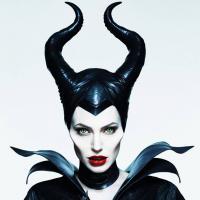 """Angelina Jolie em """"Malévola"""": veja outras famosas que já foram bruxa nas telonas"""