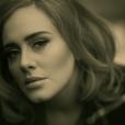 Adele foi a que mais vendeu álbum em 2015. Foram cerca de 14 milhões de cópias