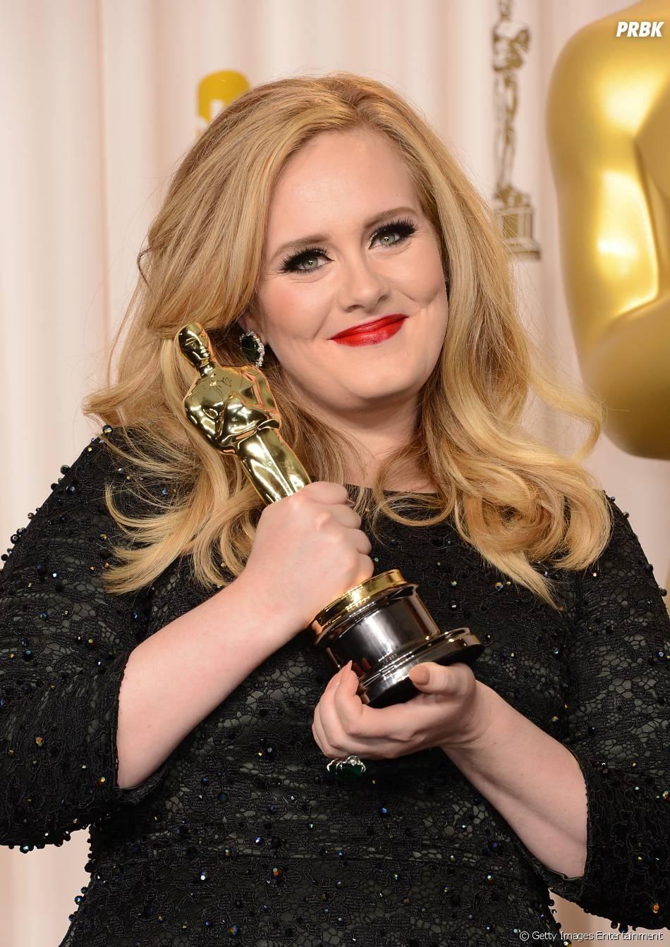 """2011 também foi de Adele. A cantora vendeu 15 milhões de cópias do """"21"""""""
