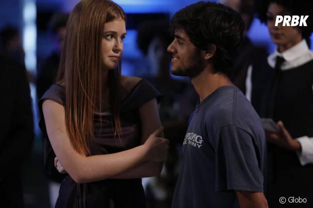 """Novela """"Totalmente Demais"""": Eliza (Marina Ruy Barbosa) convida Jonatas (Felipe Simas) para festa e deixa Arthur (Fábio Assunção) de fora"""