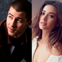 "Nick Jonas e Shay Mitchell, a Emily de ""Pretty Little Liars"", estrelam clipe ""Under You"" do cantor!"