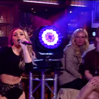 """Little Mix faz apresentação super sensual e ousada de """"Hair"""" em programa de TV!"""