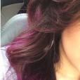 Kéfera Buchmann mostra o cabelo num tom mais rosa