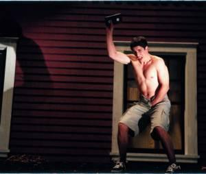 """O azarado Jim (Jason Biggs) em cena hilária de """"American Pie 2"""""""