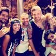 """Fora do """"BBB14"""", Diego, Franciele, Vagner, Cássio e Aline se uniram para comemorar o aniversário de Junior, na noite desta segunda-feira, 24 de março de 2014"""