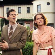 """De """"Café Society"""": Kristen Stewart e Jesse Eisenberg aparecem em novo cartaz!"""