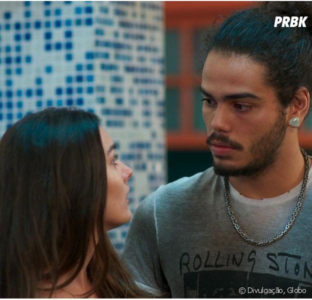 """Em """"Malhação"""", Pedro (Enzo Romani) e Luciana (Marina Moschen) discutem e rapaz revela segredo"""