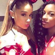 """Ariana Grande lança música nova, """"Better Days"""", com Victoria Monet em tributo aos atentados dos EUA"""