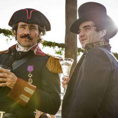 """Novela """"Liberdade, Liberdade"""": André (Caio Blat) e Tolentino têm relação abalada por novo personagem"""
