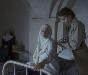 """O drama histórico """"Agnus Dei"""" mostra a vida de uma enfermeira francesa durante o fim da Segunda Guerra Mundial"""