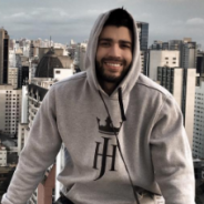 Gusttavo Lima joga videogame, fala sobre carreira, bate papo com fãs e mais em transmissão ao vivo!