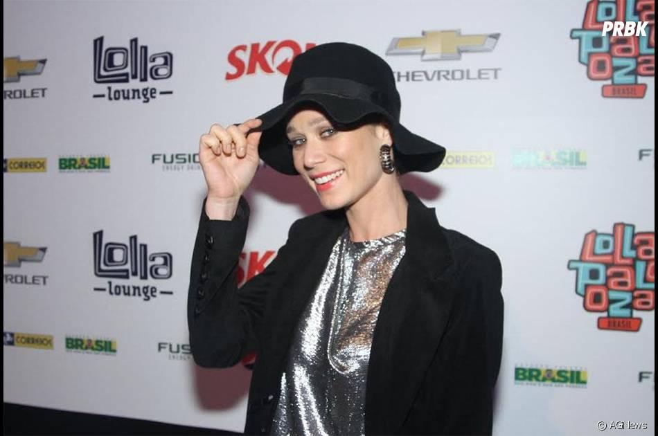 Mariana Ximenez usou um chapéu para marcar presença no último dia do Lolla palooza